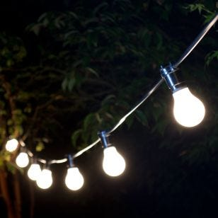 22M Weatherproof Festoon Lighting - 40 Black Bulb Holders