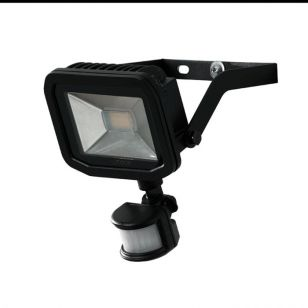 Luceco Slimline 22W Daylight LED Guardian Floodlight with PIR Sensor