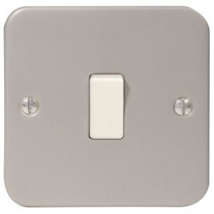 Metal Clad 10A 1 Gang 2 Way Light Switch